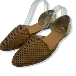 DV Dolce Vita perforated flats size 9